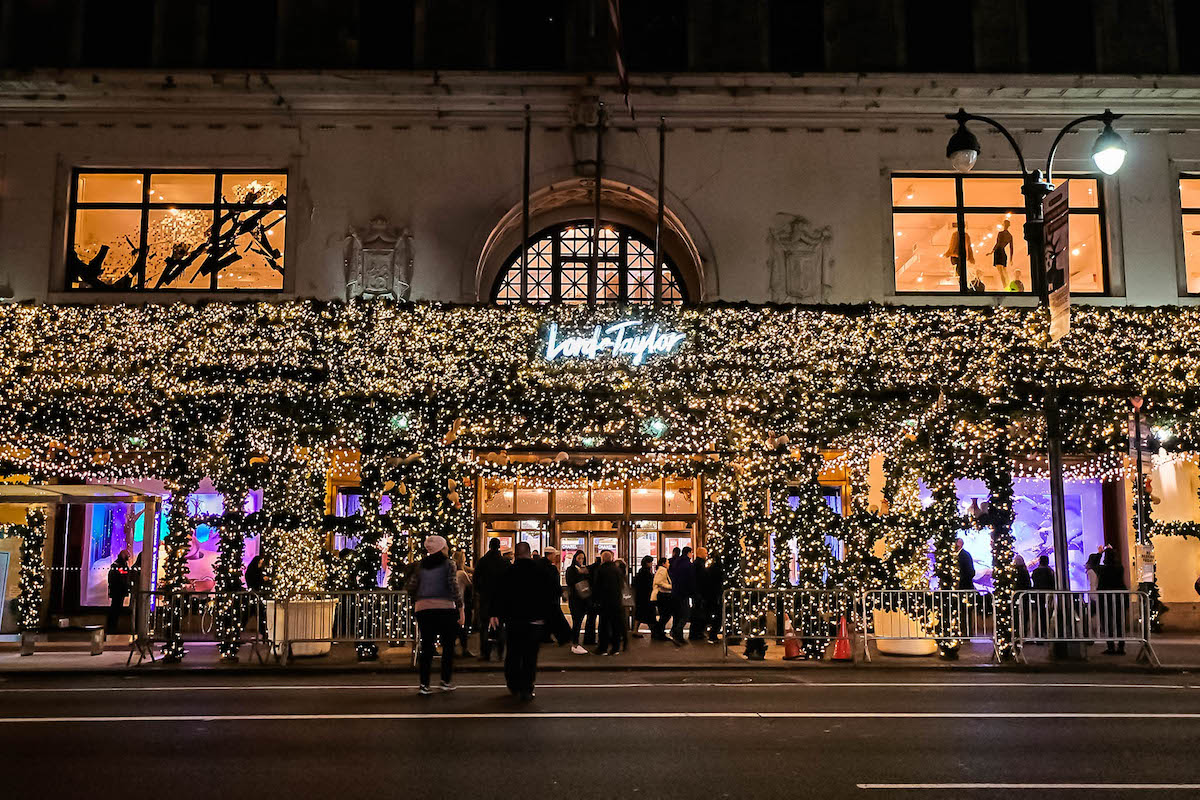 Christmas decorations in new york city 2017 for New york in christmas 2017